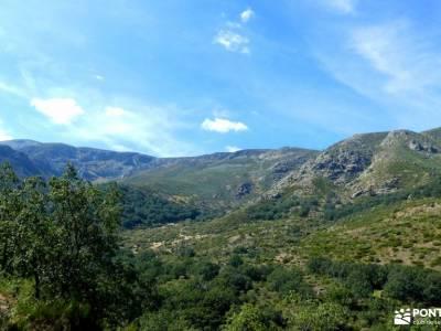 Sierra de Gredos; Barco Ávila; amigos singles baston para senderismo rutas senderismo sanabria sende